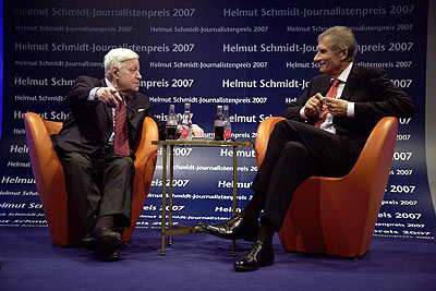 Ulrich Wickert und Alt-Bundeskanzler Helmut Schmidt